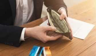 Vefat Eden Babanın Kredi Borçları Çocuklarına Kalır mı?